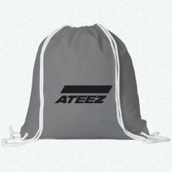 Mochila con el logotipo del grupo k-pop Ateez